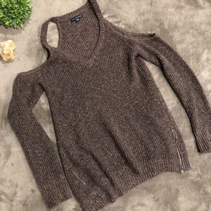 American Eagle Colder Shoulder Zipper Sweater